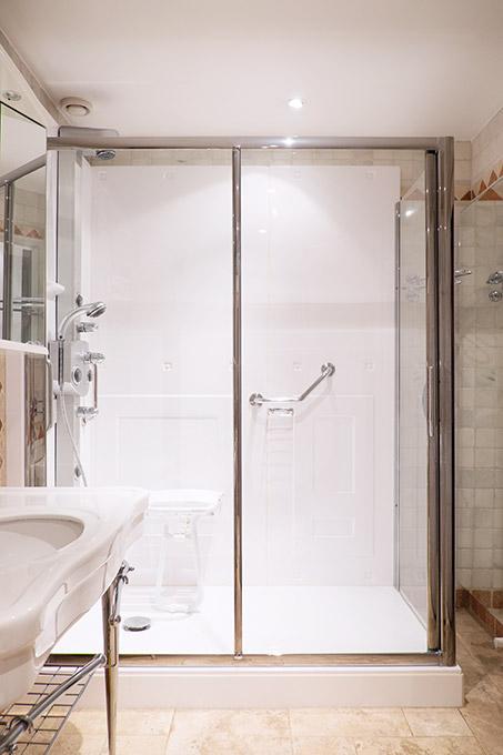 Inloopdouche past op plek oude badkuip
